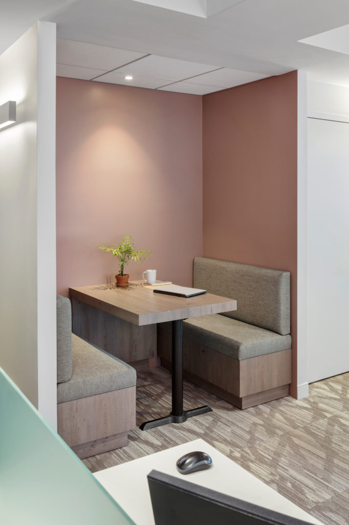 An alcove and other workplace choices provide the flexibility to the different types of tasks.
